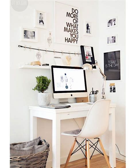Small Desk Area Ideas 25 Best Ideas About Small Desks On Small Desk Areas Small Bedroom Office And Small