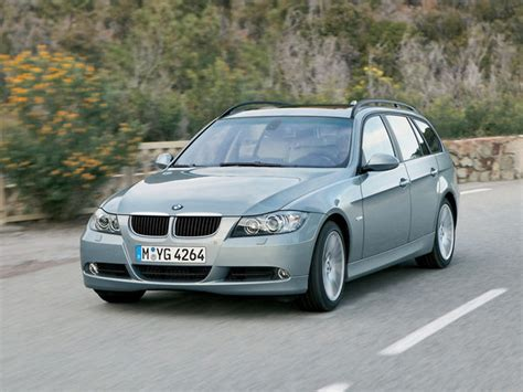 bmw  series sports wagon car review  top speed