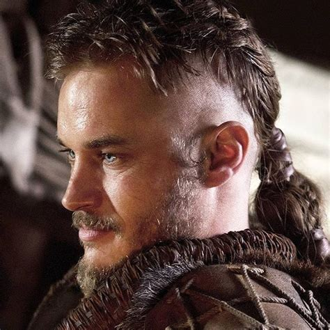 ragnar lothbrock hairstyle 17 best images about travis fimmel on pinterest the