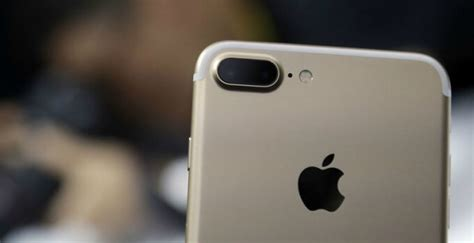 apple to replace iphone 7 7 plus with microphone issues on ios 11 3