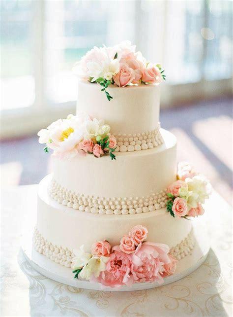 Hochzeitstorte Blumen by Hochzeitstorte Mit Rosa Und Wei 223 En Blumen 2068306 Weddbook