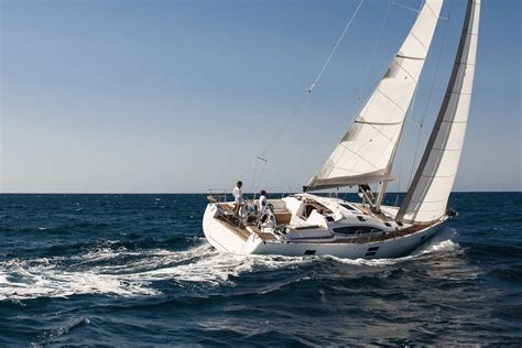 sailing boat or yacht sailing tour from split pelican tours