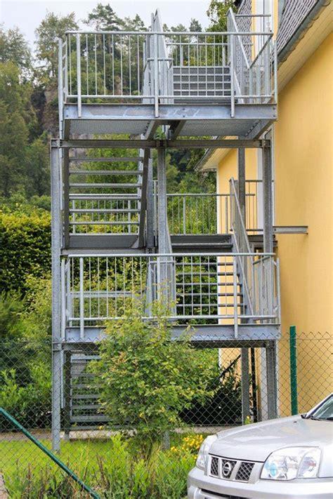Balkongeländer Mit Treppe by Trier Und Metallbau Tore Zaunanlagen Treppen