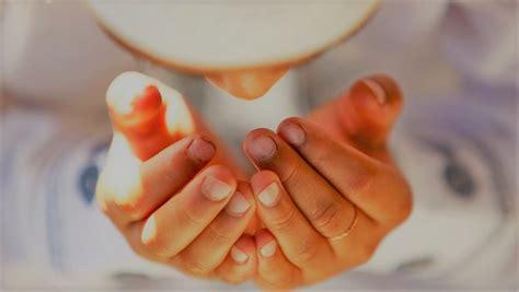 dua cara mengangkat tangan ketika berdoa rumaysho