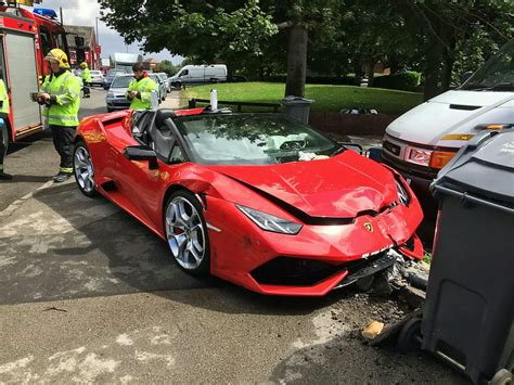 Driver Wrecks 163 220k Lamborghini After Crashing Into Lpost