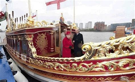 queen on a boat gloriana the official website for the queen s rowbarge