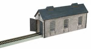 bachmann ho 35905 and friends deluxe engine shed