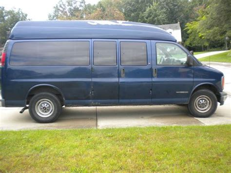 gmc savana 3500 passenger for sale sell used 2000 gmc savana 3500 base standard passenger