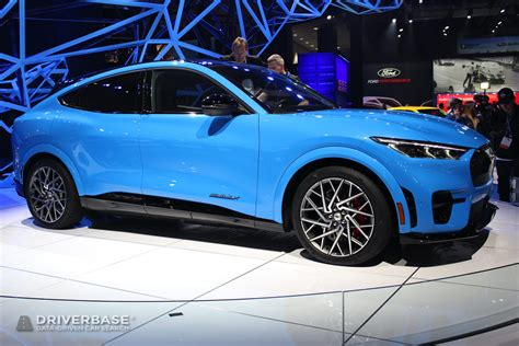 ford mustang mach  gt electric suv   los