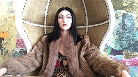 album review qveen herby ep 1 artmagazine medium