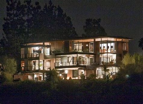 justin beibers house justin bieber s house celebrity net worth 2016