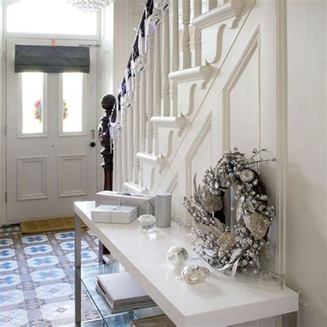 small hallway decor ideas 10 amazing ideas for decoration of small hallways