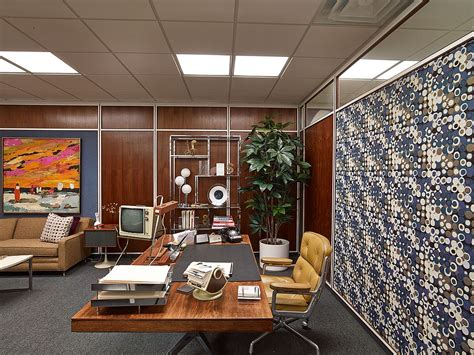 office set design creator matthew weiner discusses the award winning sets of