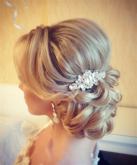 Wedding Hair Ideas by The 25 Best Ideas About Wedding Hairstyles On