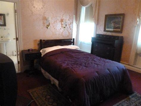 bed and breakfast providence ri creaky old bed picture of old court bed and breakfast
