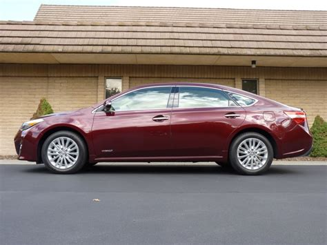 2013 toyota avalon hybrid first drive report 2013 toyota avalon hybrid first drive report