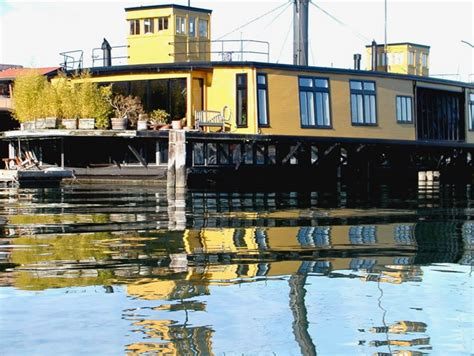 airbnb seattle houseboat the 7 best airbnb houseboats
