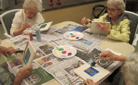 crafts for elderly ideas for alzheimers weekly field trips simple