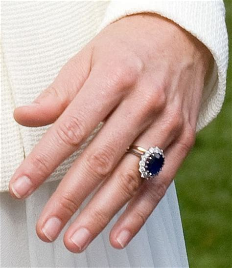 sapphire and engagement ring kate middleton