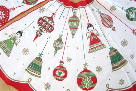 mid century vintage christmas tree skirt