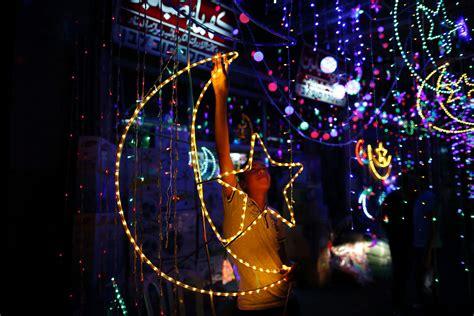 Amazon Fairy Lights Muslims Worldwide Prepare For Ramadan