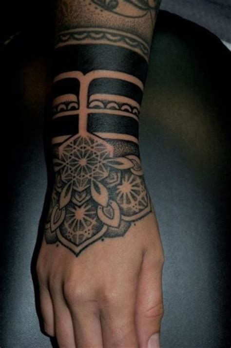tattoo tribal on hand tattoofriday 30 tatuagens de braceletes