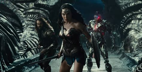 justice league en film justice league review spoilers spoiled inside pop culture