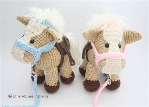 amigurumi horse his and hers amigurumi horses