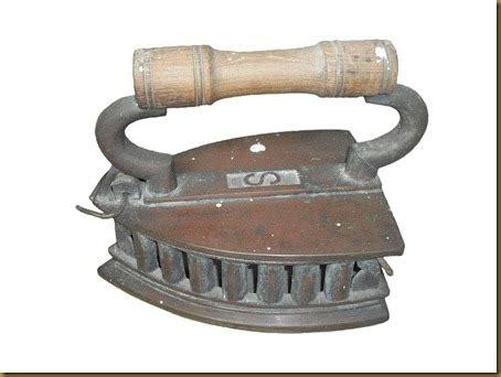 Setrika Jaman Dulu koleksi barang antik setrika antik kuningan s terjual