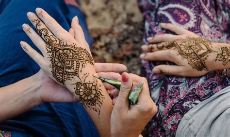 henna tattoo edmonton henna tattoo groupon edmonton henna up to 50 edmonton ab groupon