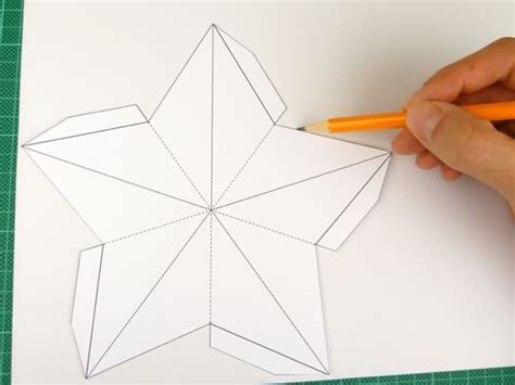 How To Make 3d Shapes Out Of Paper - decorations easy 3d baubles and