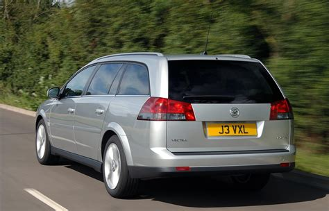 vauxhall vectra vauxhall vectra estate 2005 2008 features equipment