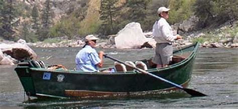 drift boat deschutes river jeff helfrich outfitter driftboat fly fishing guide middle