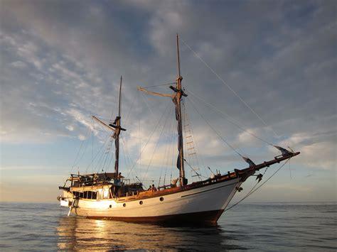 free liveaboard boat freediving liveaboard