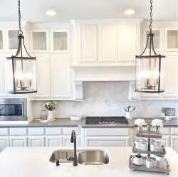 kitchen island pendants 25 best ideas about kitchen pendant lighting on