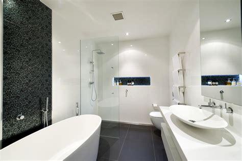 main floor bathroom ideas dicas para o revestimento do banheiro 2
