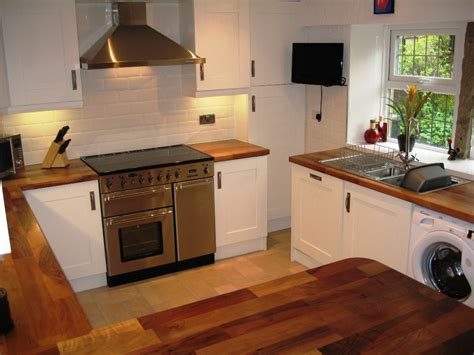 shaker kitchen ideas wood shaker cabinets kitchen designs home improvement