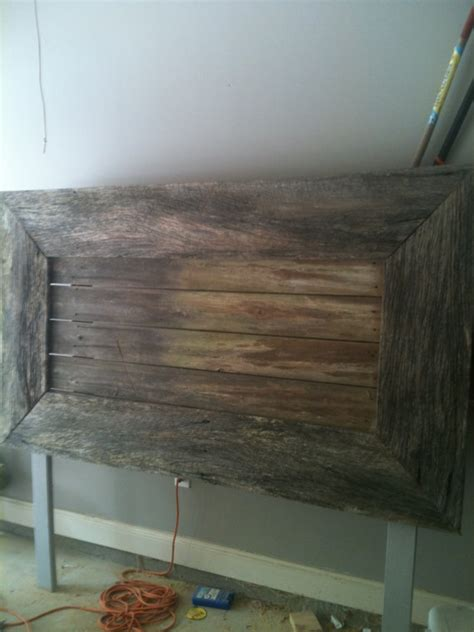 Headboards Made From Reclaimed Wood by Rustic Headboard Made With Reclaimed Wood