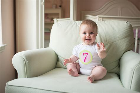 Former Applauds For Keeping Baby by Your Baby S Monthly Photos 5 Tips To Keep In Mind