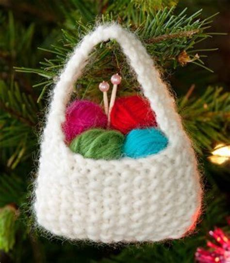 knitted christmas decorations 27 knit tree ornament patterns allfreeknitting