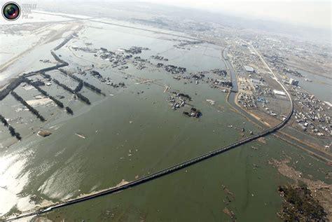 imagenes impactantes tsunami impactantes im 225 genes despues del tsunami en jap 243 n taringa