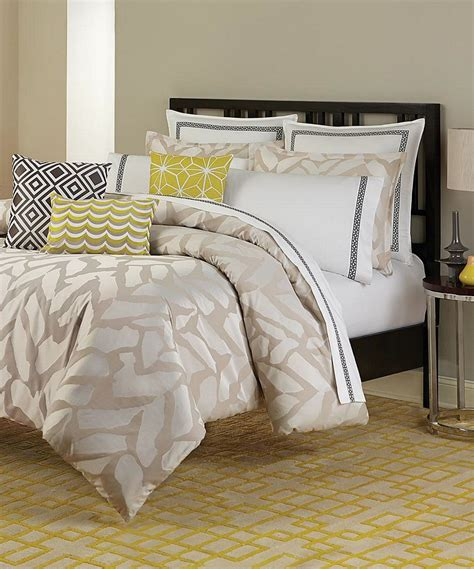 giraffe bedroom giraffe by trina turk bedding beddingsuperstore com