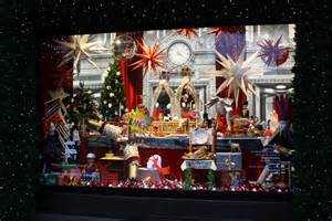 Fortnum And Mason Christmas Decorations - 5 stunning christmas stores to visit in london inspirations essential home