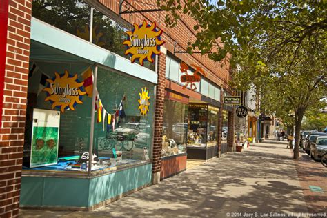 shopping on front street in downtown traverse city