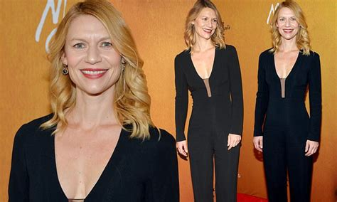 claire danes mary queen of scots claire danes accentuates her post baby figure in jumpsuit