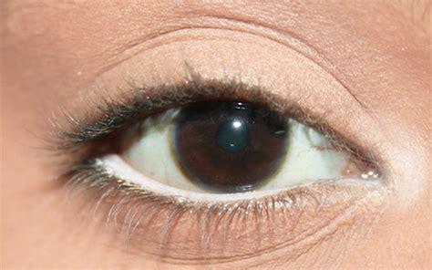 Eyeliner Warna Putih trik menggunakan eyeliner putih facetofeet