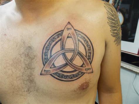 Celtic Knot Circle Tattoo On Chest Tattooshunt Com Celtic Circle Tattoos Designs