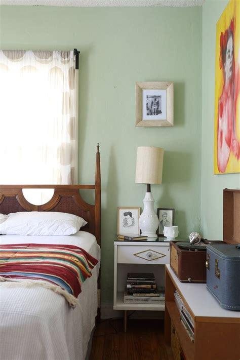 vintage bedroom color schemes 99 best images about viv s room on pinterest peacocks