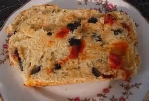 bayat ekmek omleti yemek eli resimli kolay tarifler domatesli ve zeytinli ekmek yemek eli resimli kolay