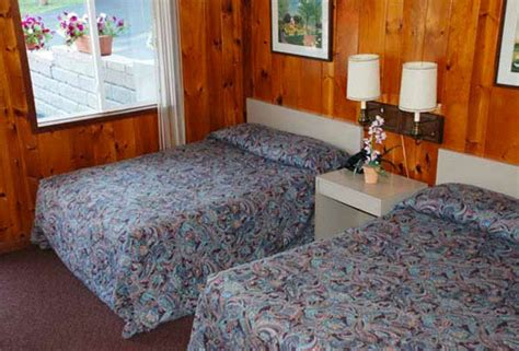 standard room amenities lake george accommodations a variety of rooms and amenities at a resort right on lake george